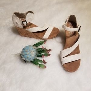Tom's Sienna Wedge Cream Sandals